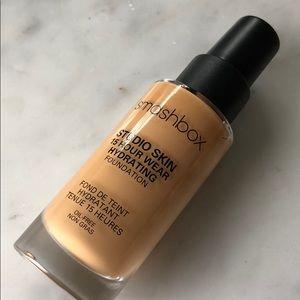 smashbox studio skin 15 hour wear foundation 3.2